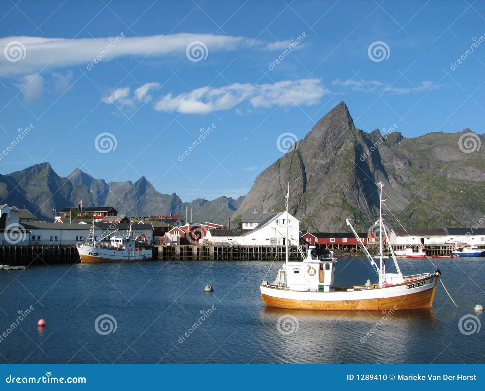 Village sur les îles de Lofoten