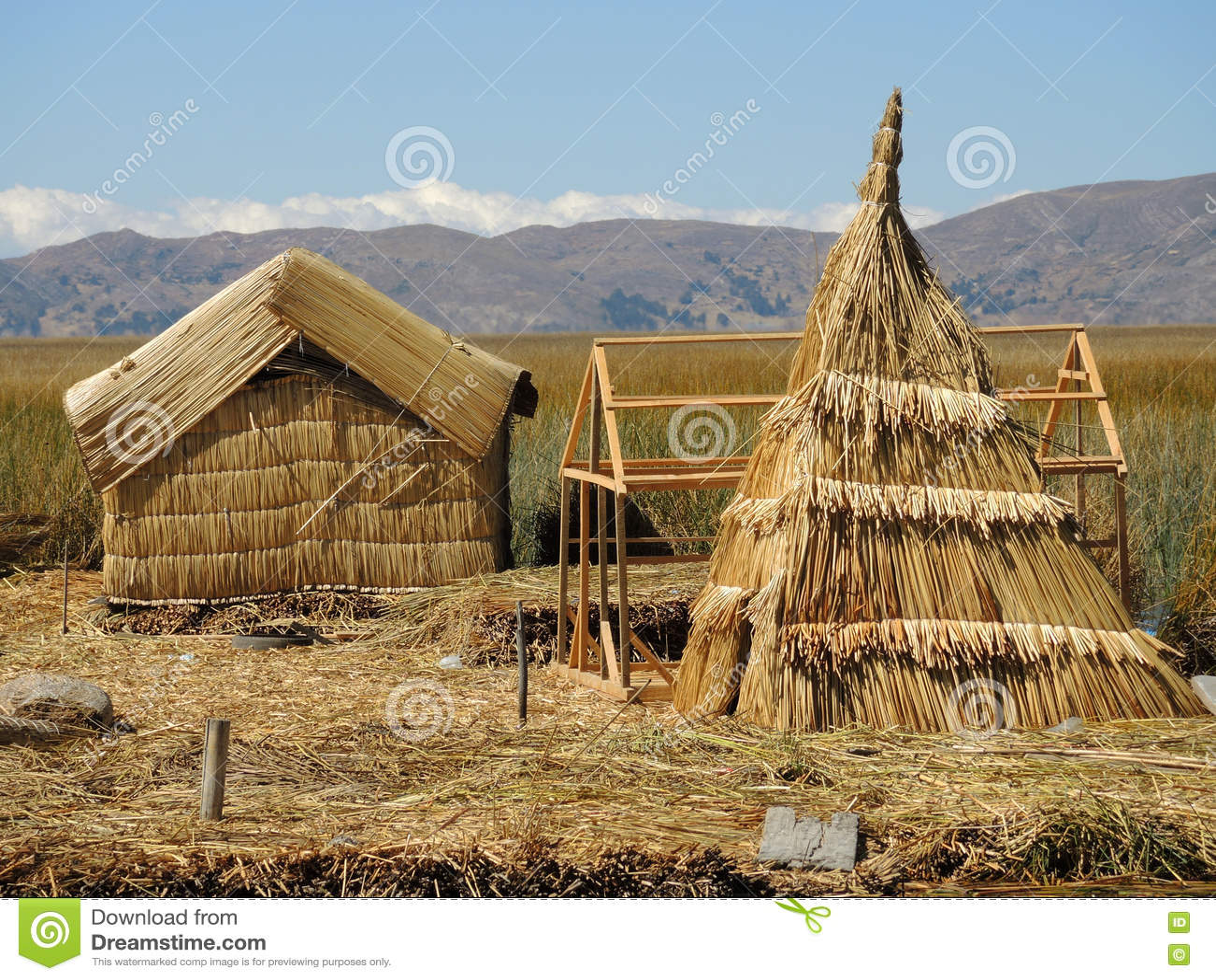 Village traditionnel dans Puno, Pérou