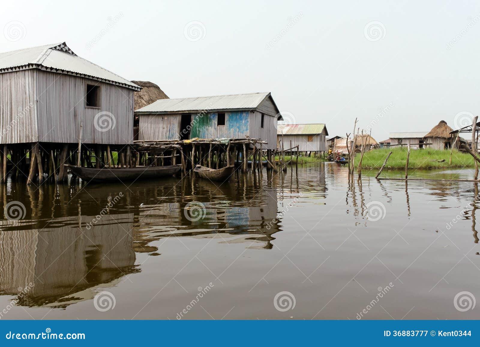 Download Villaggio Di Galleggiamento Di Ganvie Immagine Stock - Immagine di tradizionale, acqua: 36883777