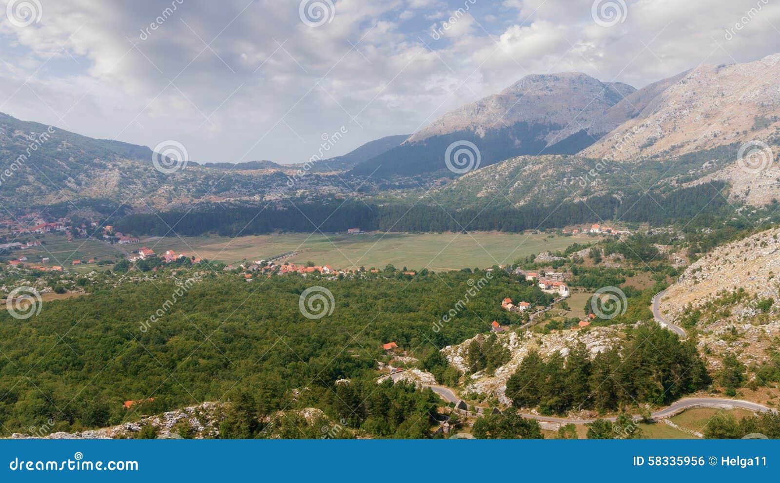 Villaggio di Njegusi montenegro