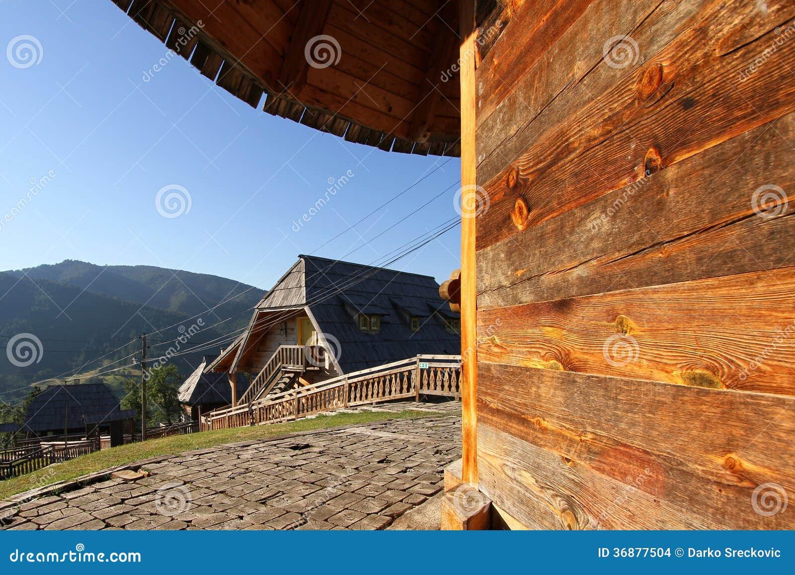 Download Villaggio etnico fotografia stock. Immagine di struttura - 36877504
