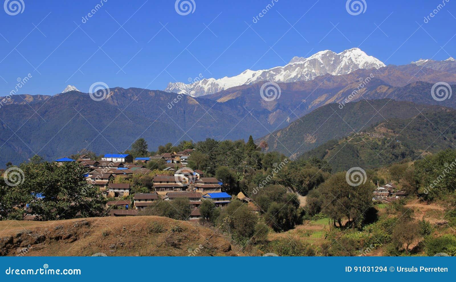 Villaggio Ghale Gaun di Gurung e gamma di Annapurna