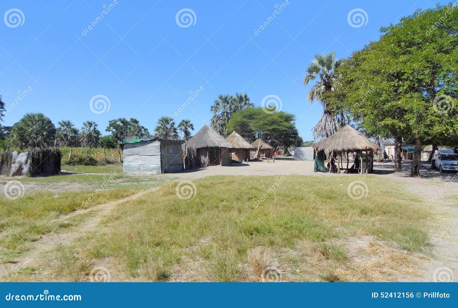 Villaggio indigeno al delta di Okavango