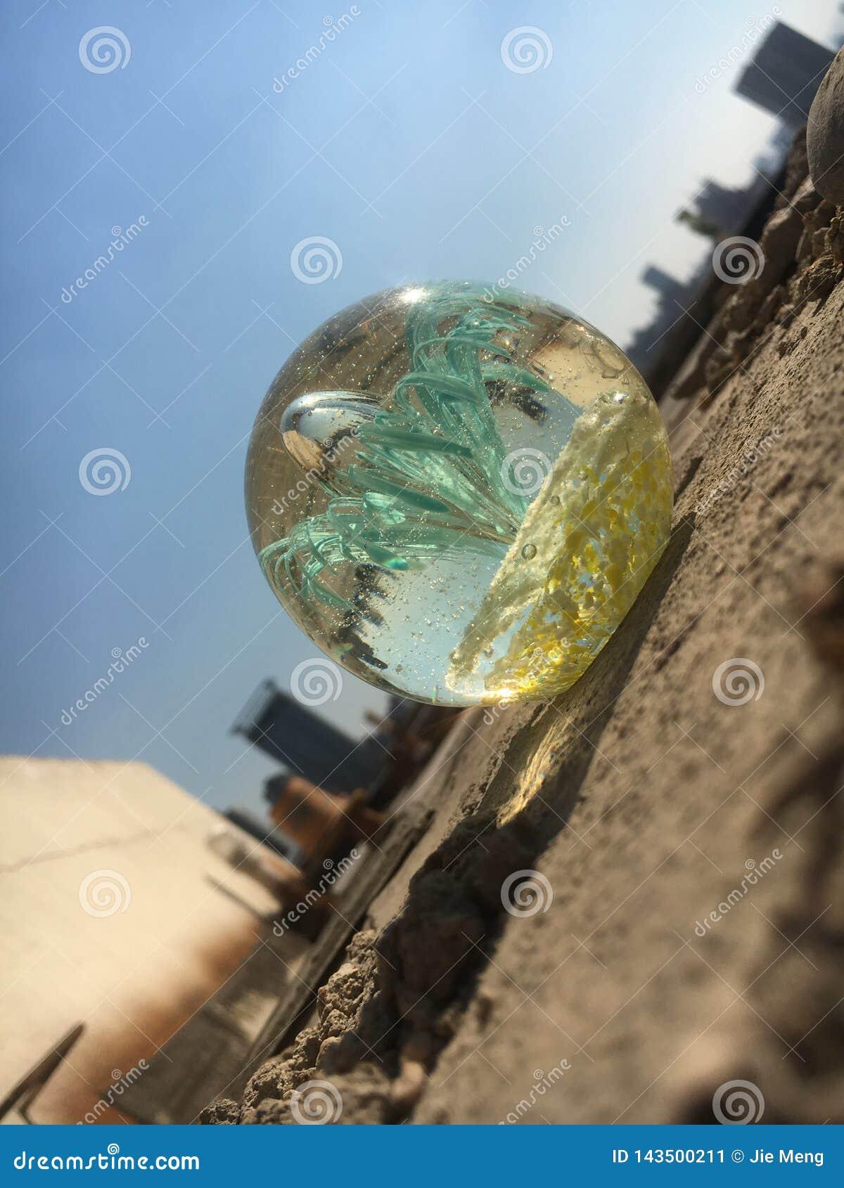 Ville à la boule de cristal