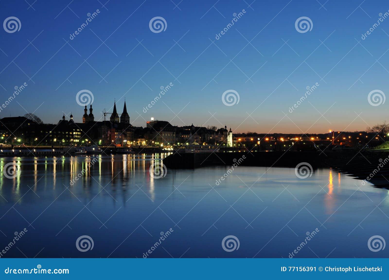 Ville Allemagne de Coblence avec le coin allemand historique 7