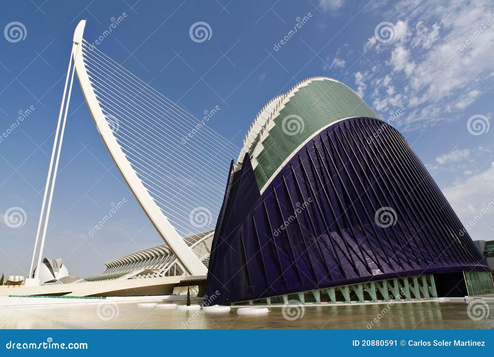 Ville d 39 agora des arts et des sciences valence espagne - Piscine valence polygone ...