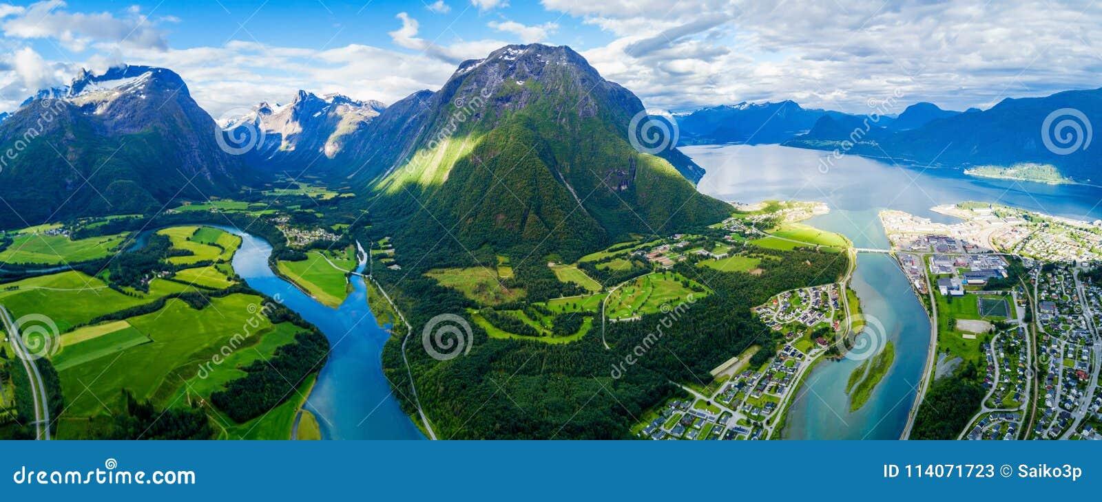 Ville d Andalsnes en Norvège