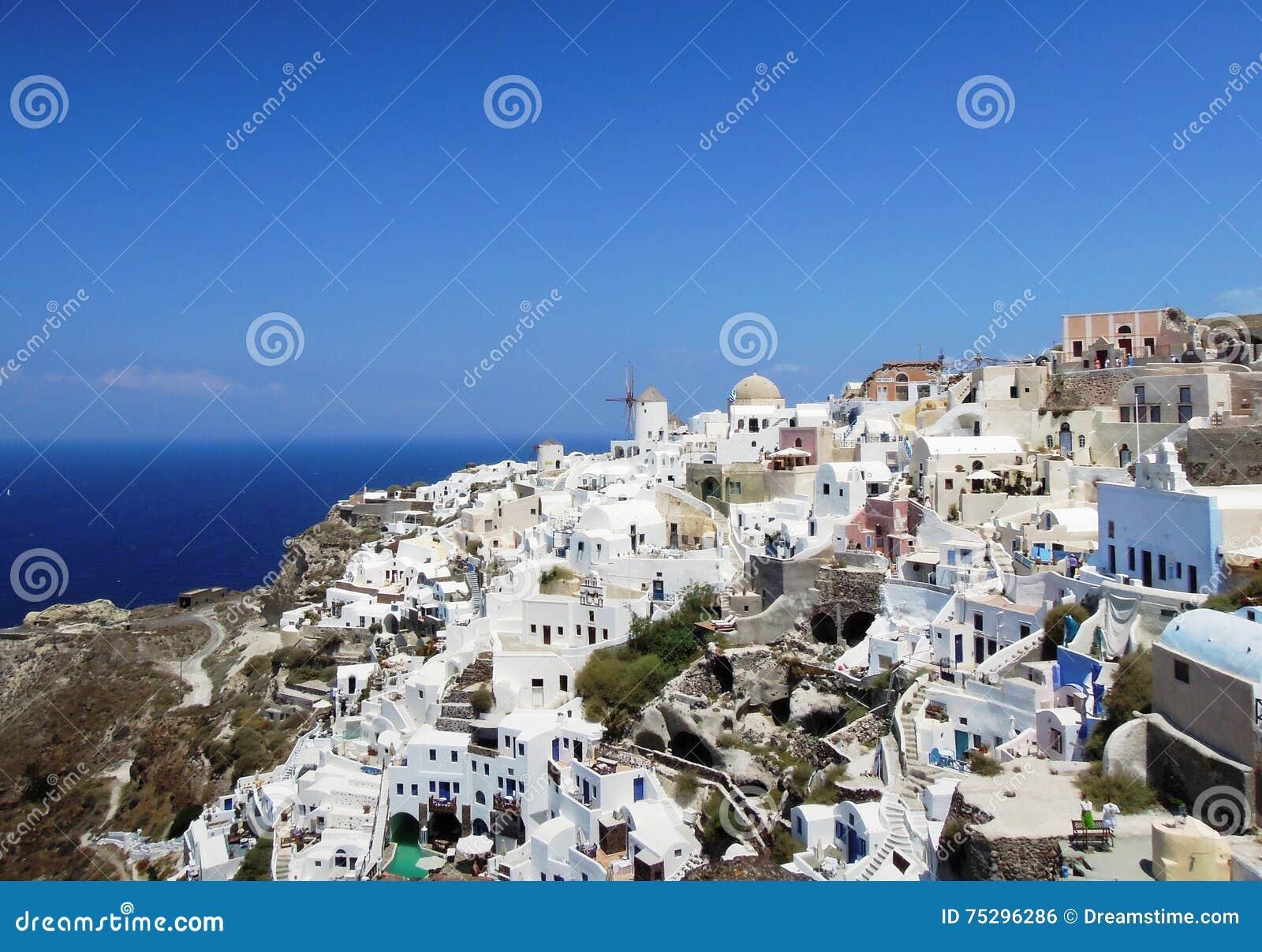 Ville d Oia sur l île grecque de Santorini