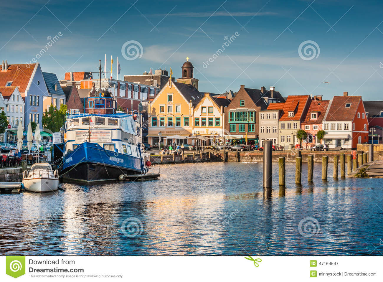 ville de husum nordfriesland schleswig holstein allemagne photographie ditorial image. Black Bedroom Furniture Sets. Home Design Ideas