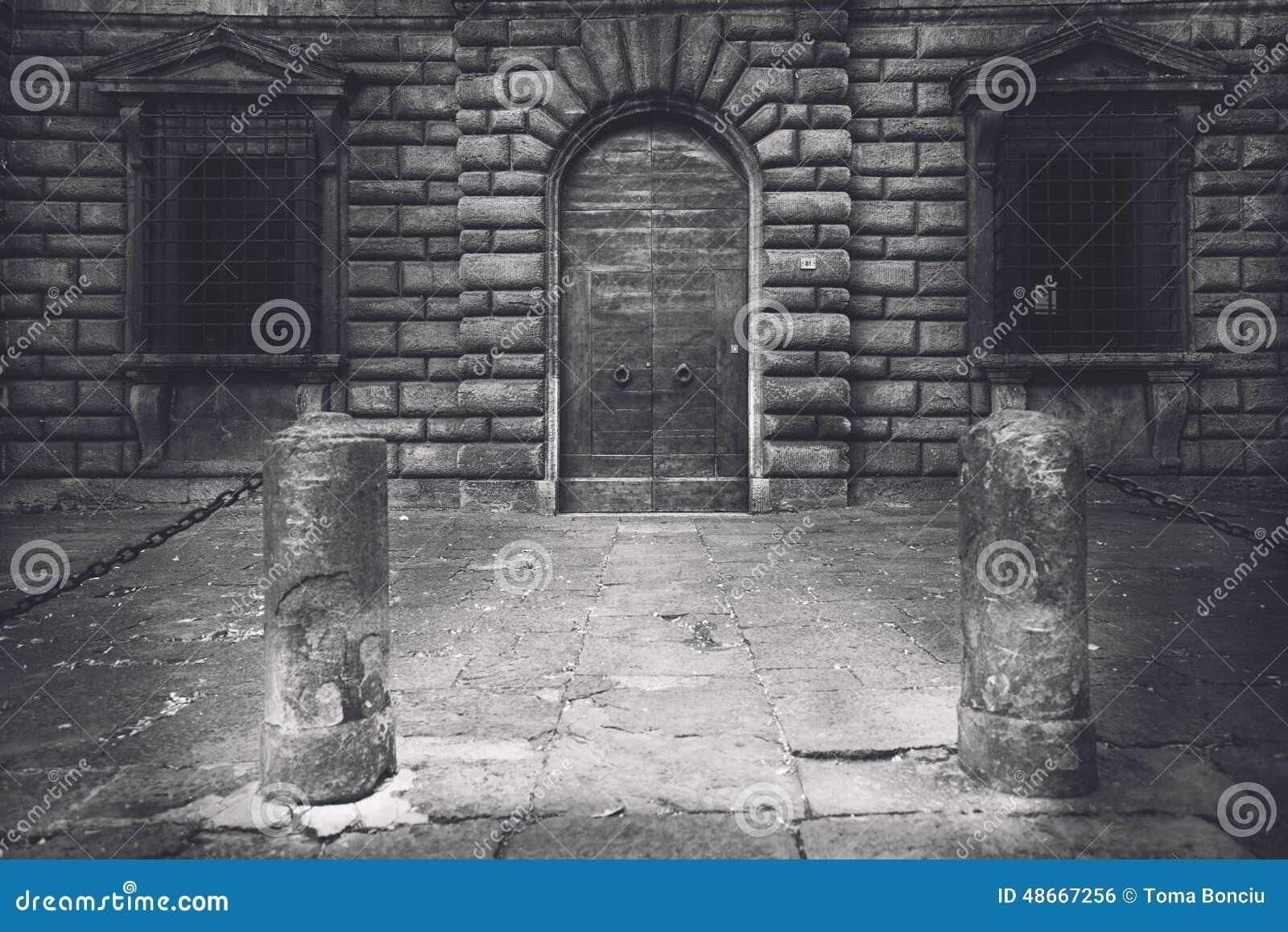 Ville de la Toscane en noir et blanc