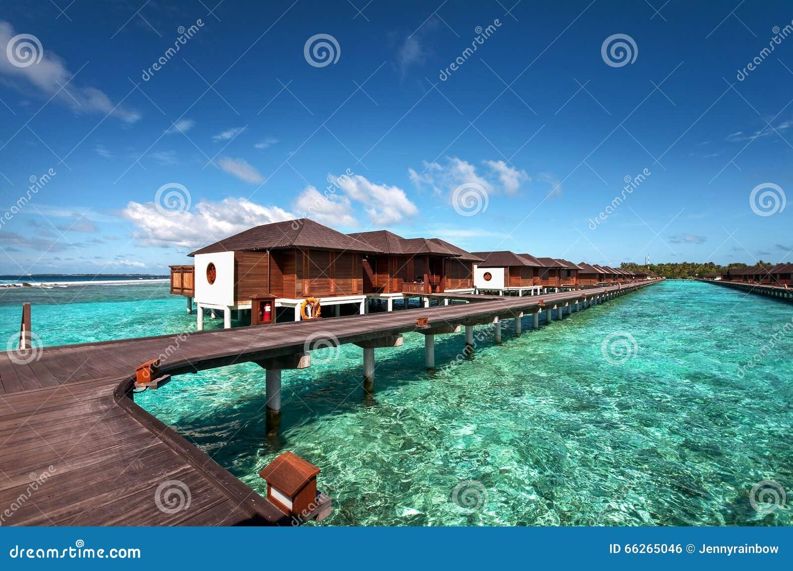 Ville Di Lusso Dell\'acqua Della Località Di Soggiorno Delle Maldive ...