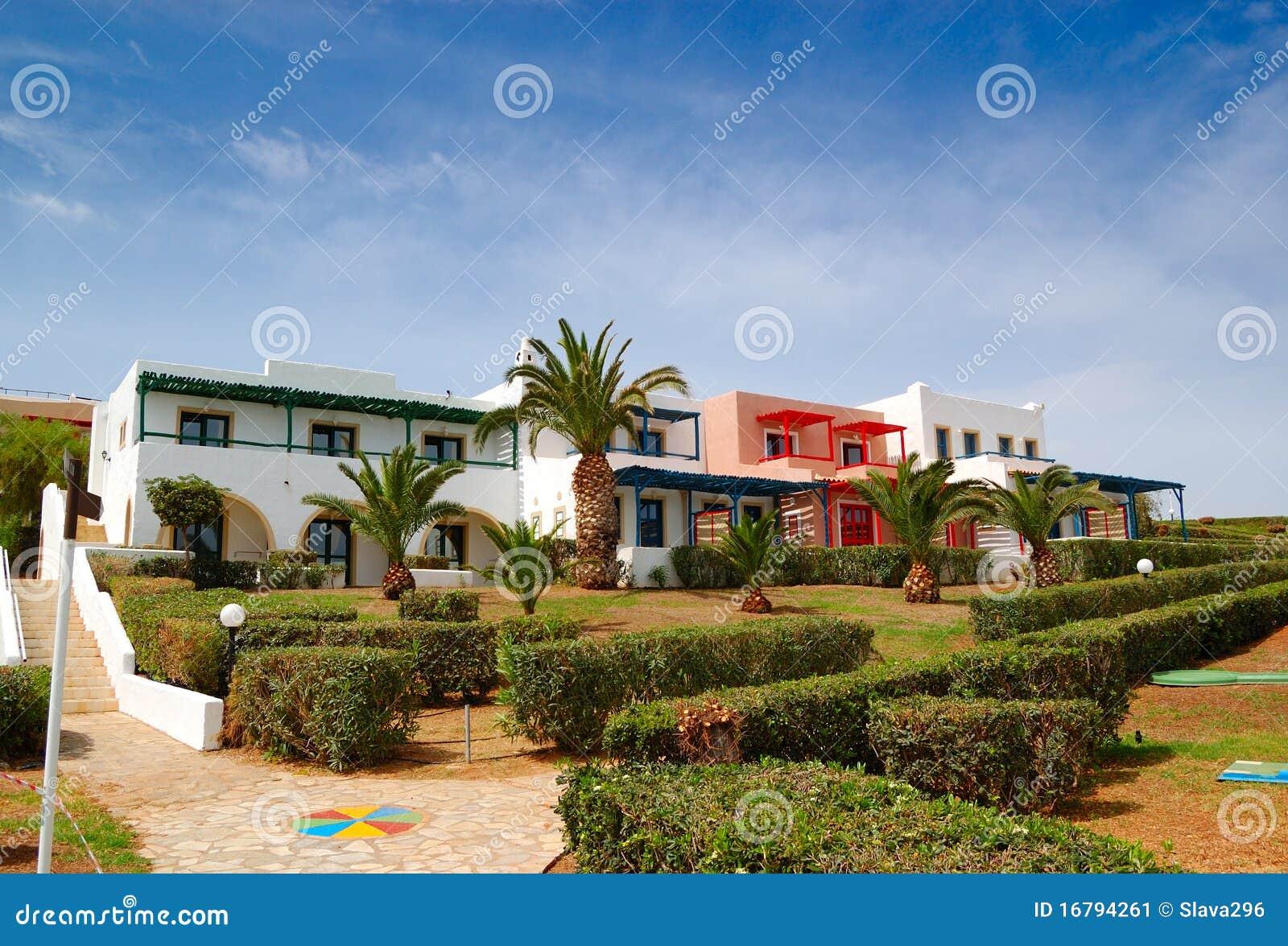 Ville di lusso moderne all 39 hotel popolare immagine stock for Disegni di ville di lusso