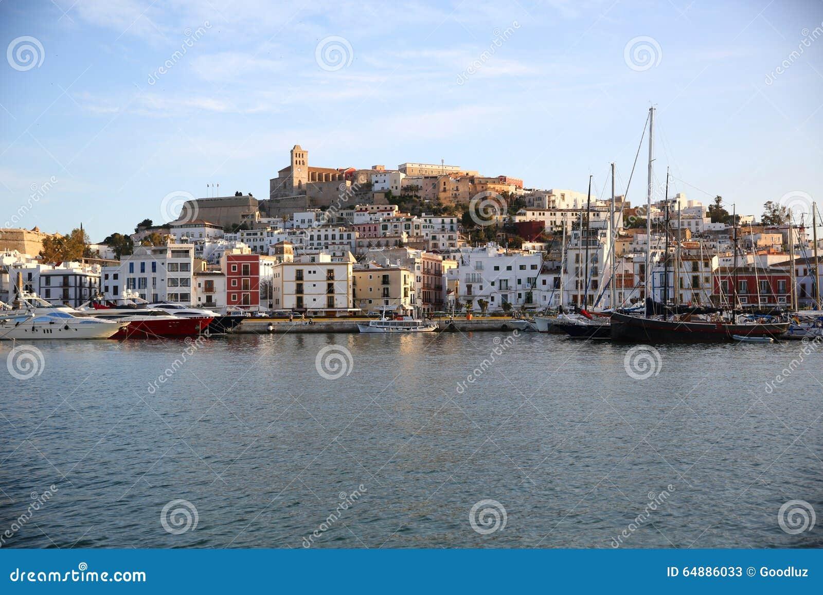 Ville et port d Ibiza
