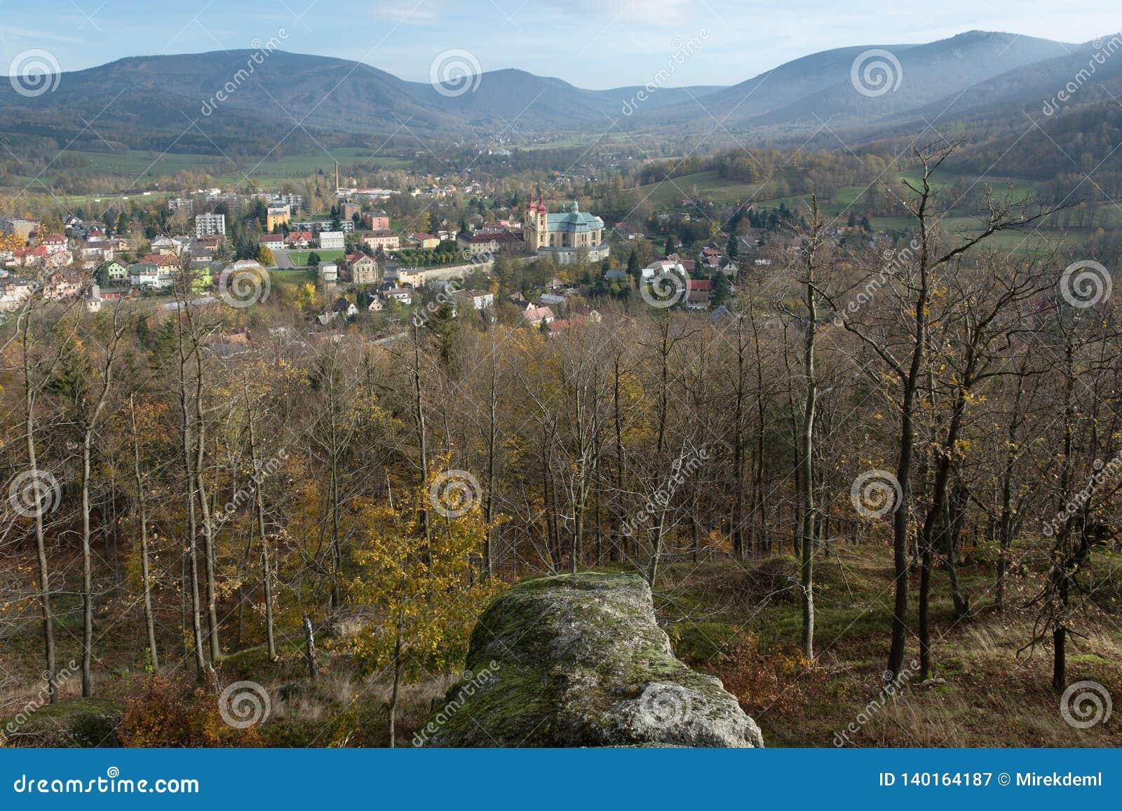 Ville Hejnice, République Tchèque de montagnes de Jizera