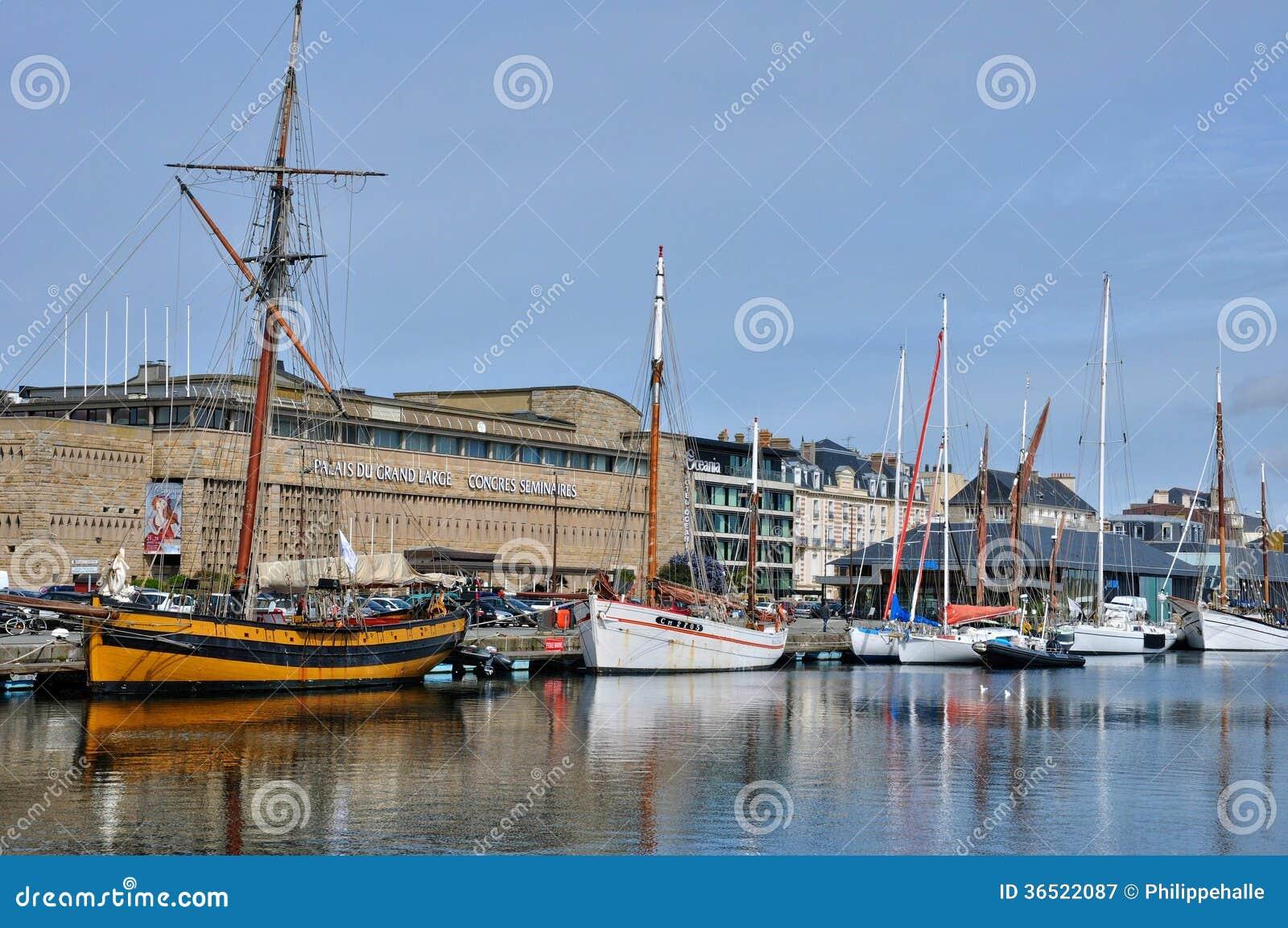 Ville pittoresque de Saint Malo dans la Bretagne
