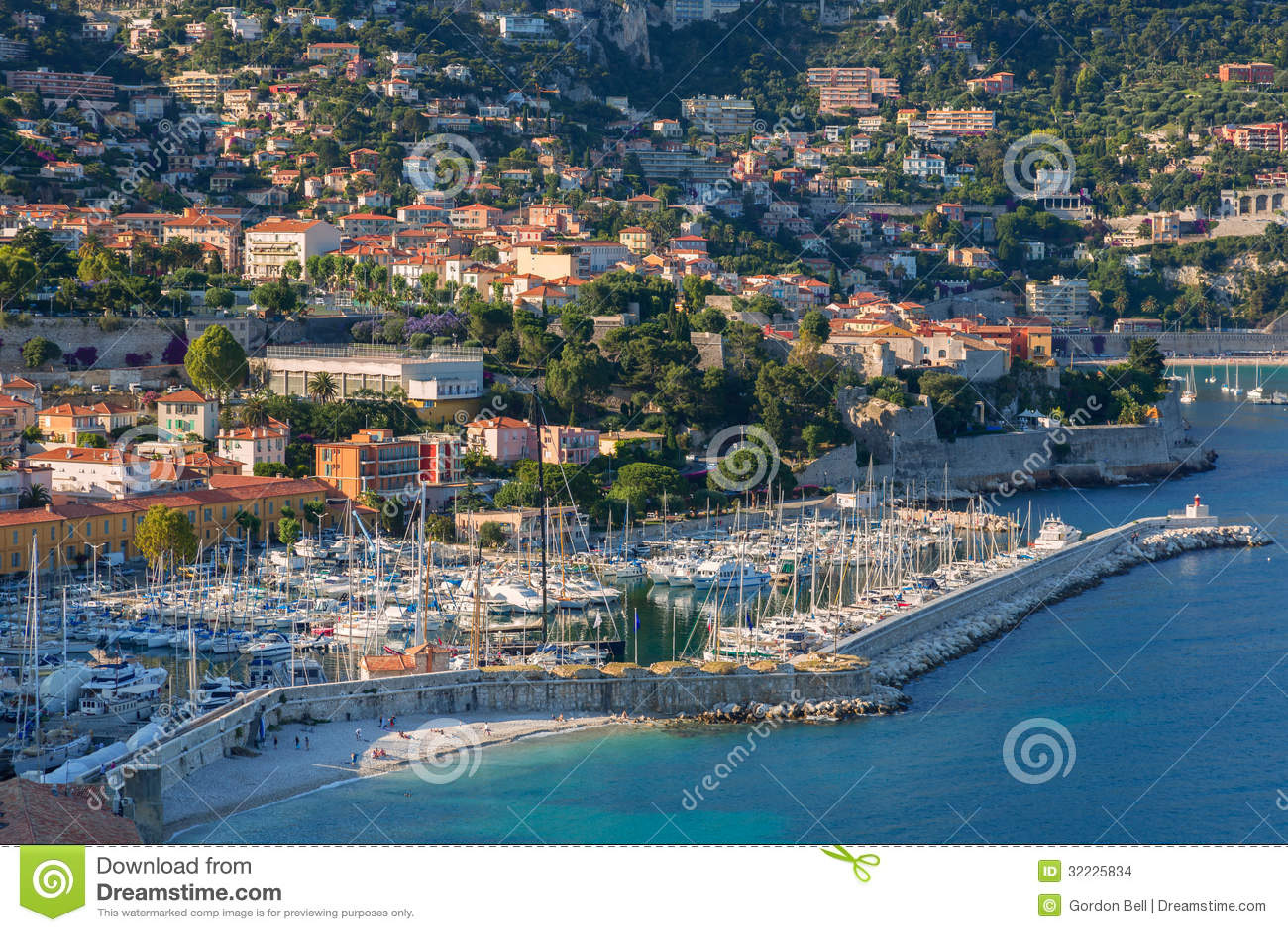 Download Villefranche-sur-Mer foto de stock. Imagem de baía, europa - 32225834