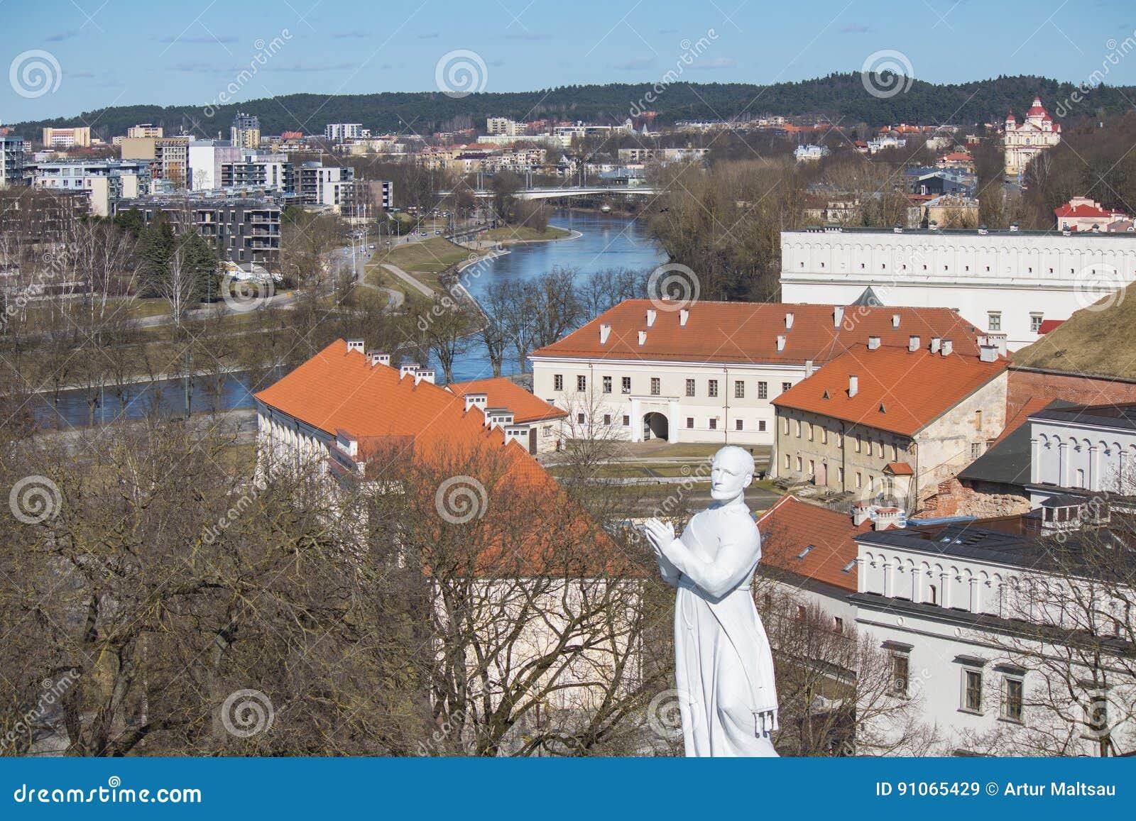 Vilnius της Λιθουανίας Εναέρια άποψη σε Vilnius Πανόραμα Vilnius: Ποταμός Neris, παλαιά πόλη και άλλα αντικείμενα