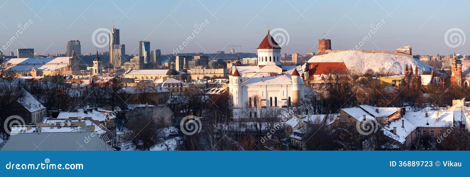Download Vilnius all'inverno immagine stock. Immagine di chiesa - 36889723