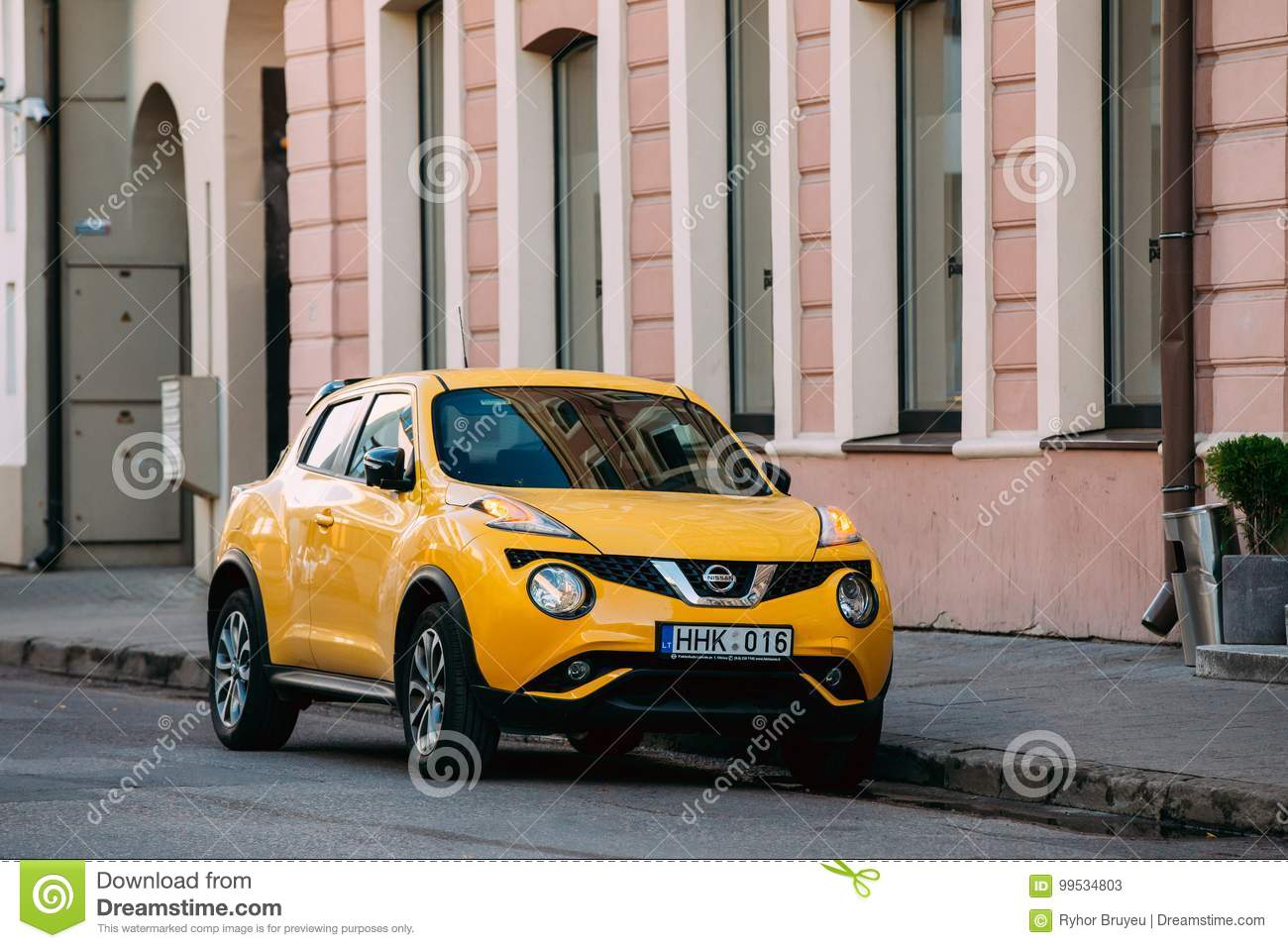 Vilnius Lithuania Eastern Europe Yellow Color Car Nissan Juke Editorial Stock Photo Image Of Crossover Transport 99534803