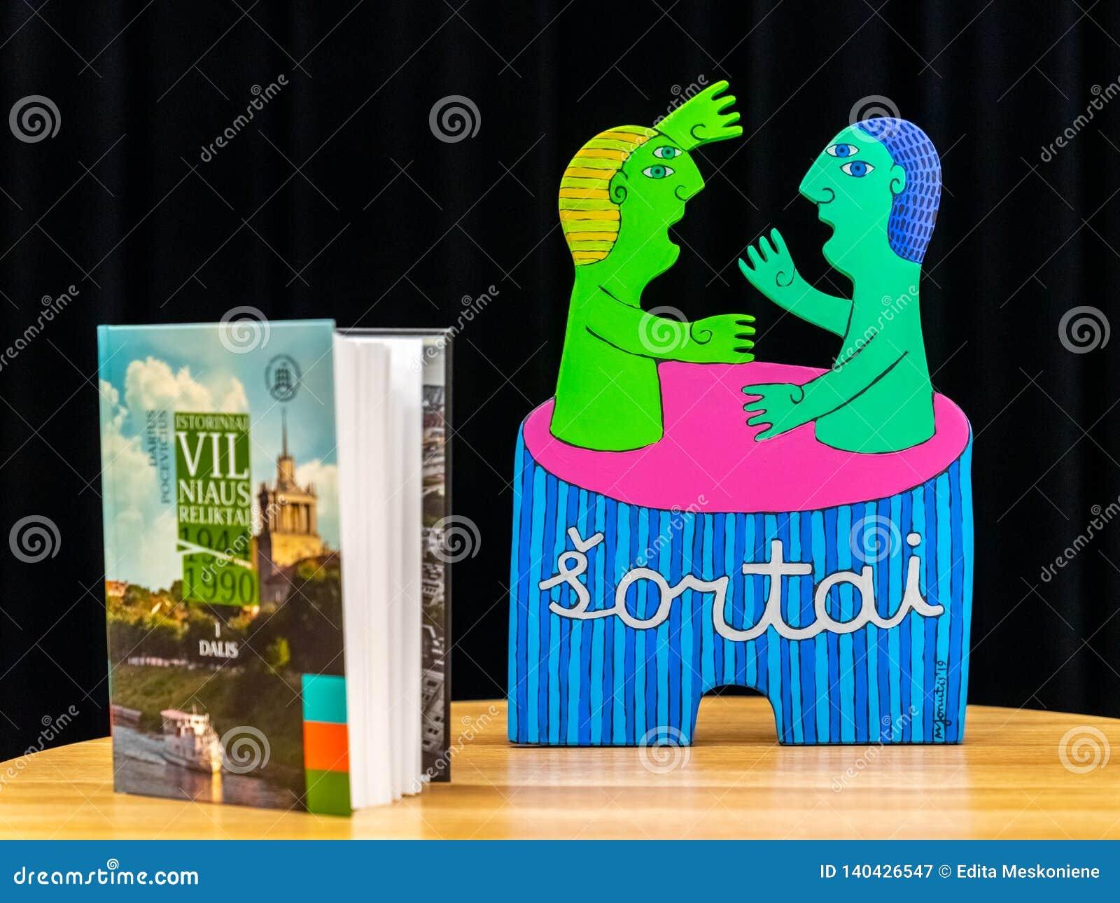 VILNIUS, LITHUANIE - 21 FÉVRIER 2019 : Le livre international de Vilnius loyalement