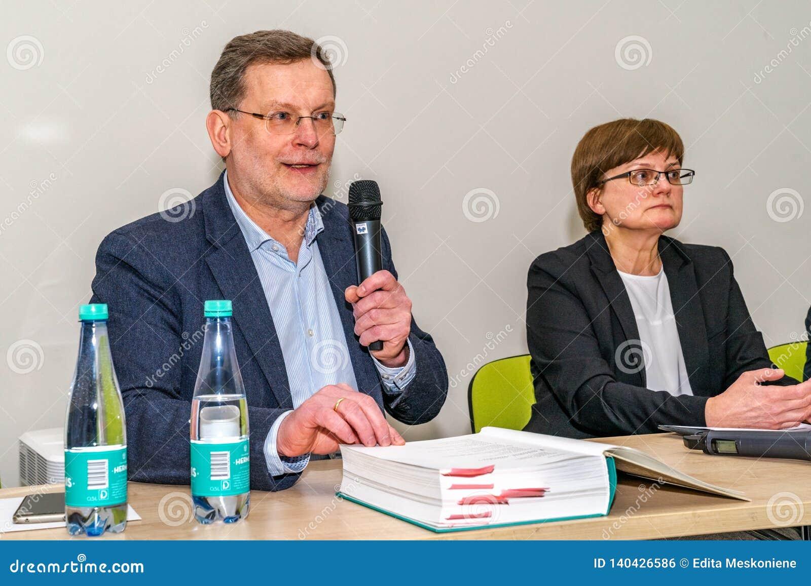 VILNIUS, LITOUWEN - FEBRUARI 21, 2019: De internationale Vilnius-Boekenbeurs
