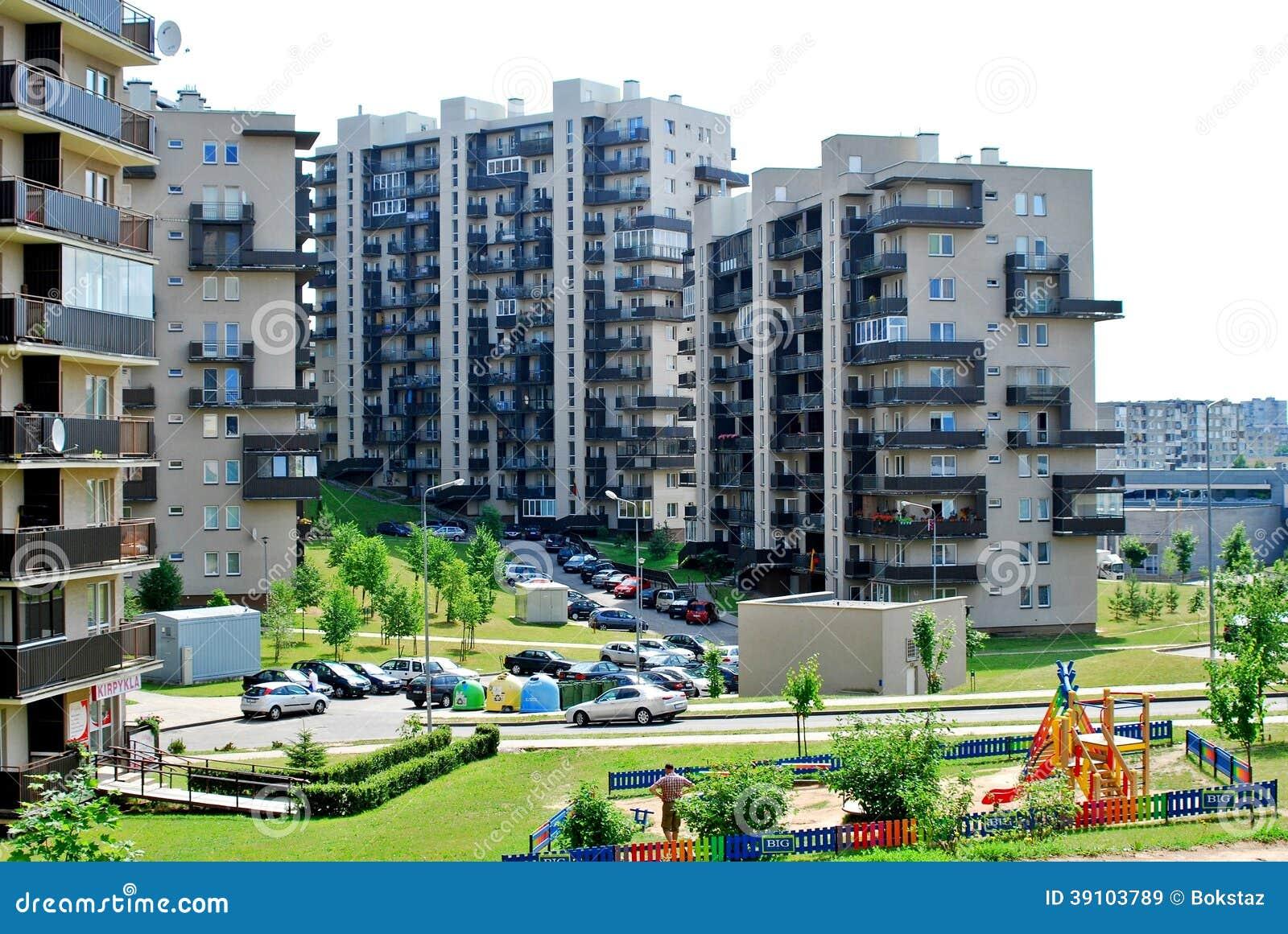 Vilnius vandaag. Nieuwe gebouwen en aard.