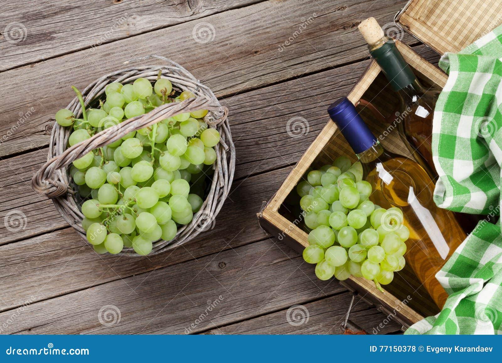 Vin blanc et raisins