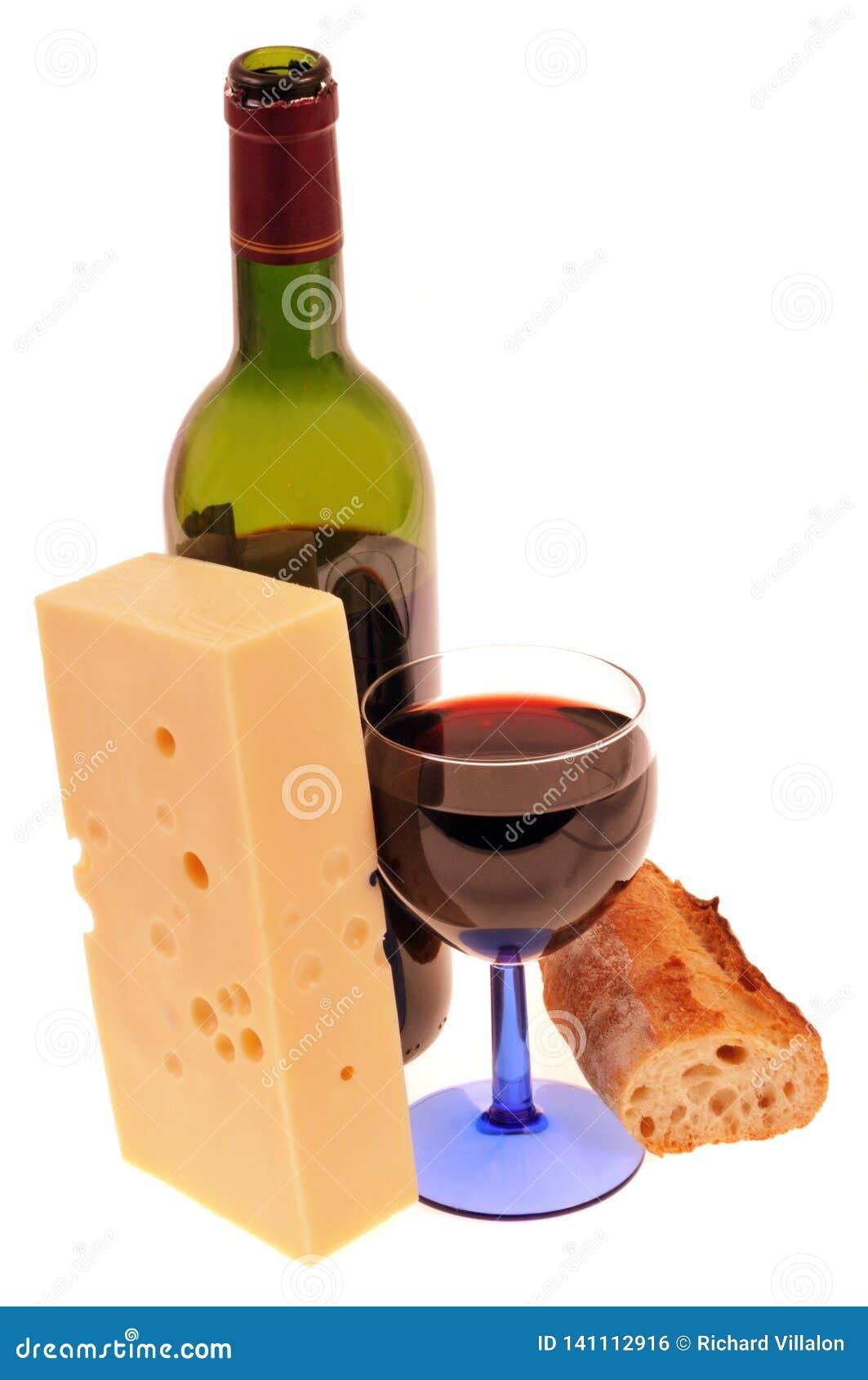 Vin, bröd och ost på vit bakgrund