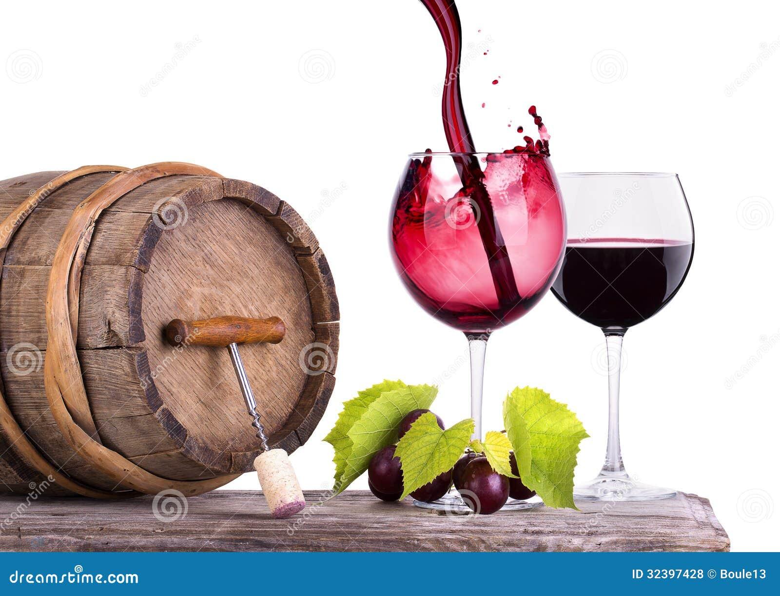 vin rouge verre et baril avec des raisins photo stock image du baisse composition 32397428. Black Bedroom Furniture Sets. Home Design Ideas