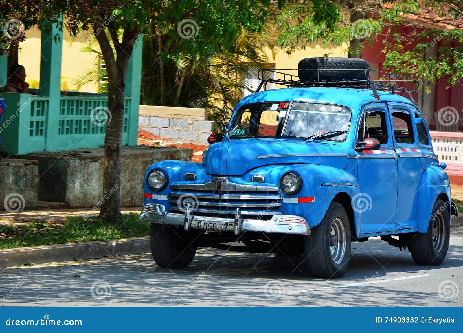 Vinales E Seus Carros Bonitos Cuba Fotografia Editorial Imagem De