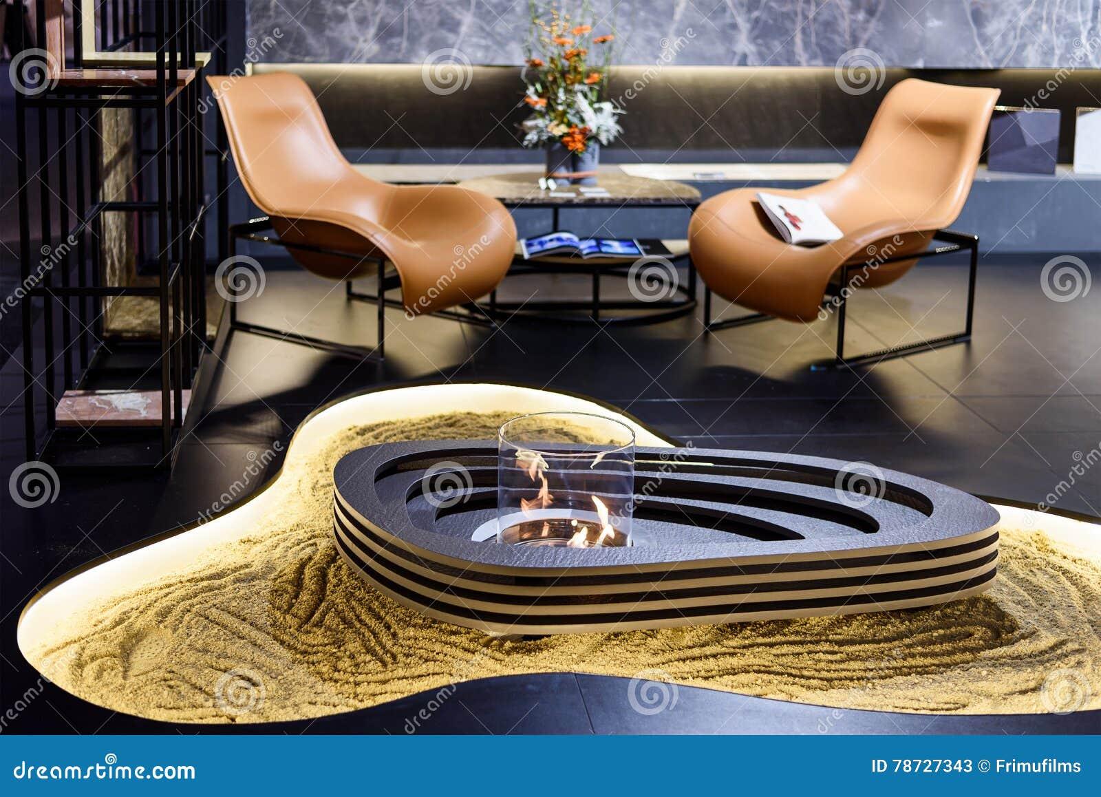 Vindinre med den brinnande spisen