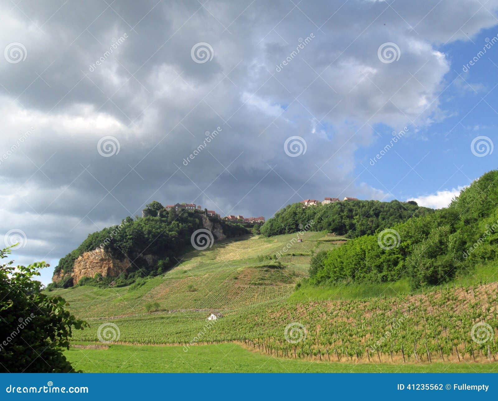 Vingardar Och Chateauchalon By I Jura Frankrike Arkivfoto Bild Av France Chateau 41235562
