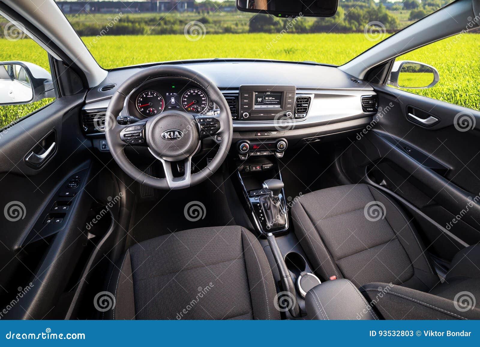 vinnitsa ukraine 19 mai 2017 voiture de concept de kia rio l 39 int rieur du photo stock. Black Bedroom Furniture Sets. Home Design Ideas
