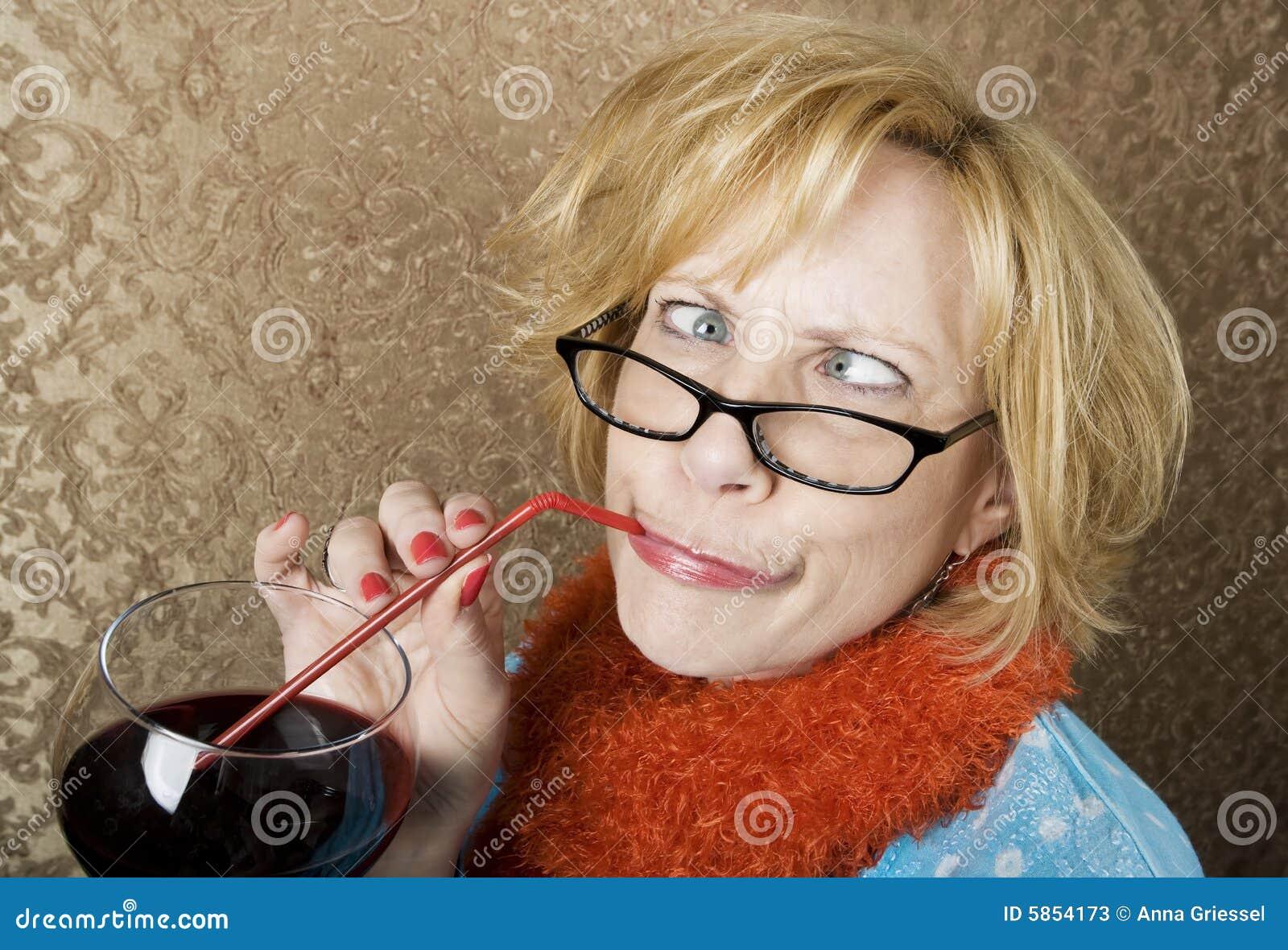 Vino bevente della donna pazzesca