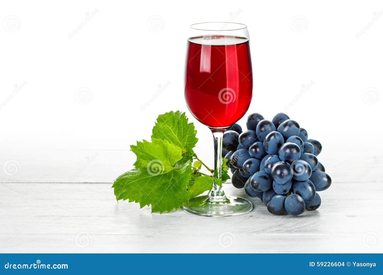 Download Vino Rojo De Cristal Con Las Uvas Del Racimo Foto de archivo - Imagen de harvesting, hoja: 59226604