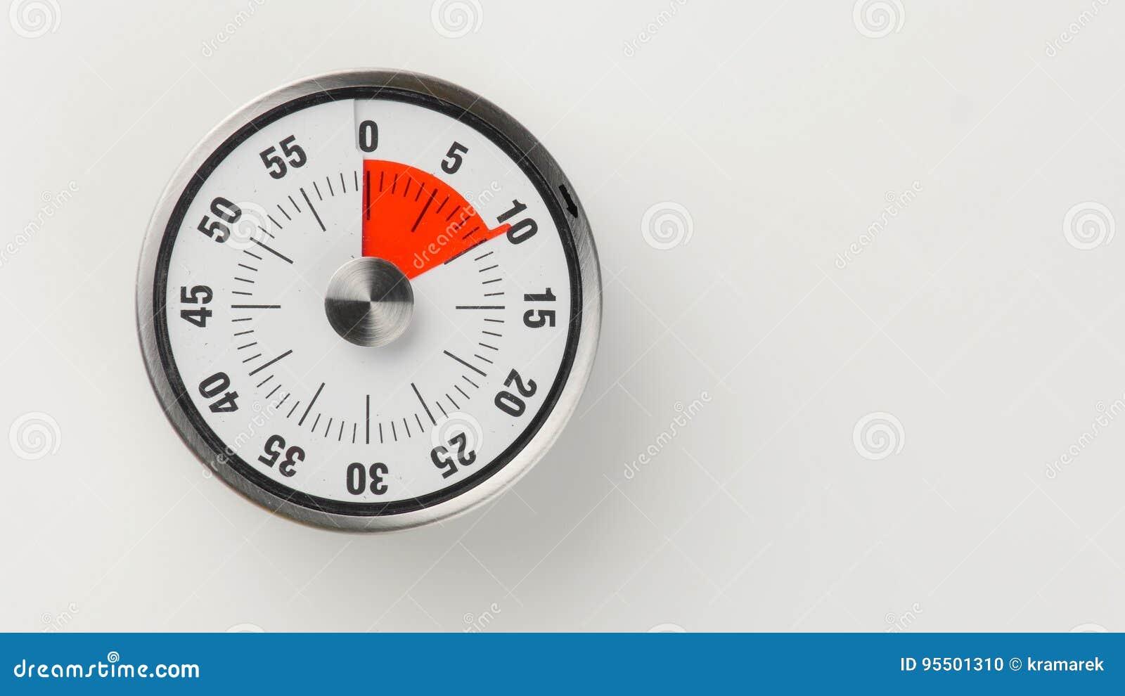 Vintage Analog Kitchen Countdown Timer, 10 Minutes Remaining Stock