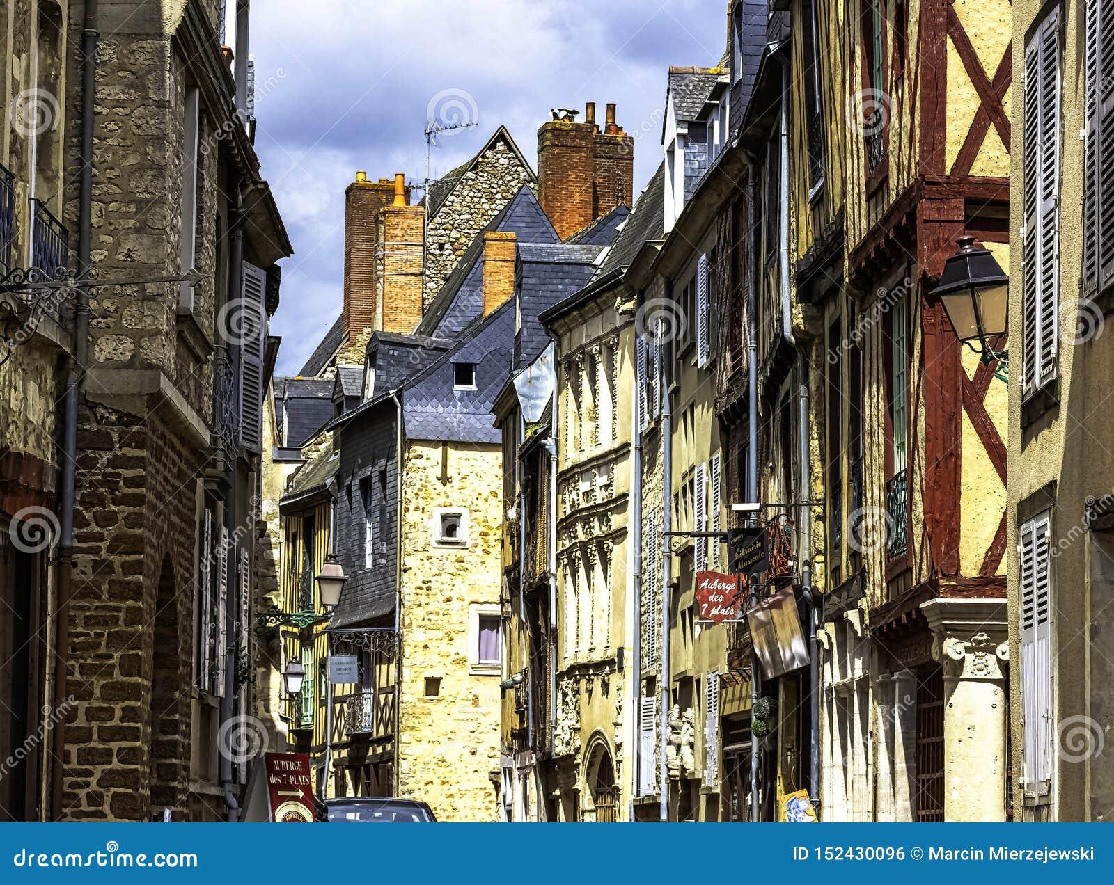 Architecte Le Mans vintage architecture of old town in le mans, france