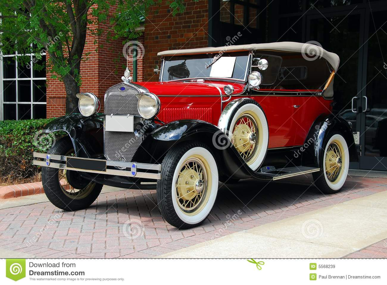 Vintage Automobile stock image. Image of driving, light - 5568239