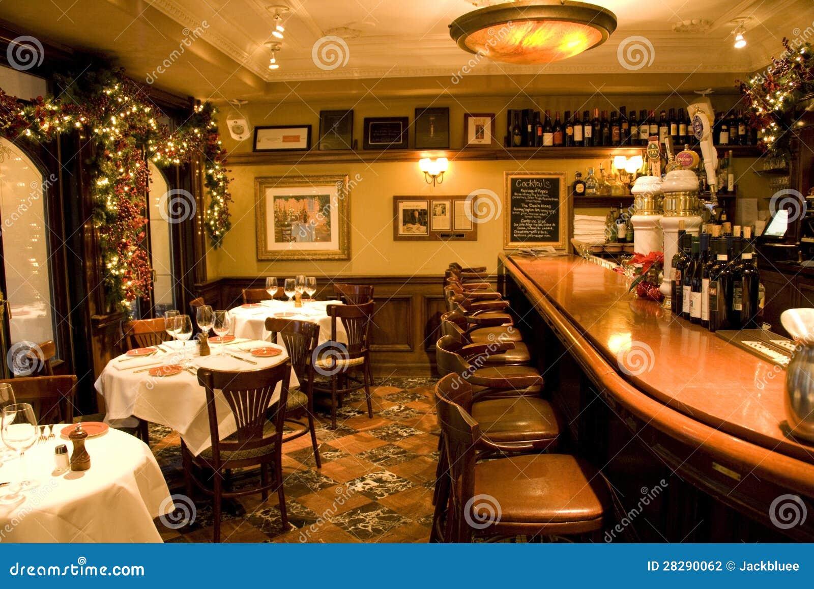 Redding California premier restaurant, wine bar and live
