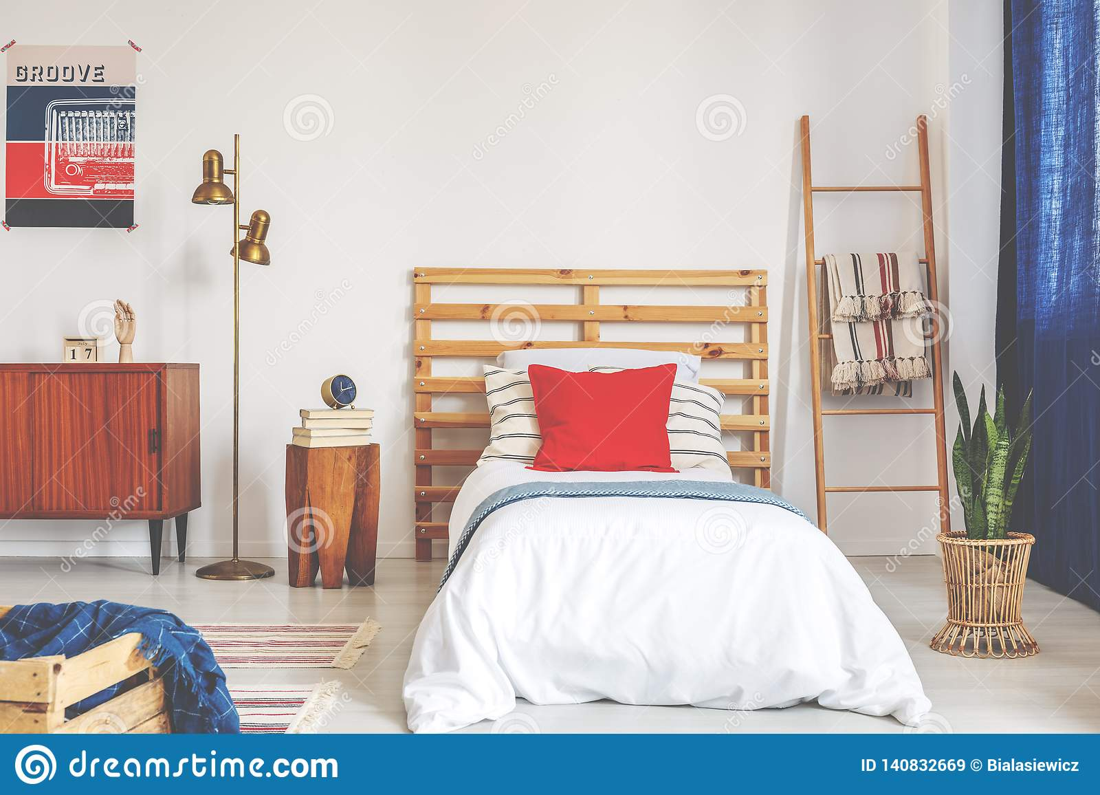 25 664 Vintage Bedroom Photos Free Royalty Free Stock Photos From Dreamstime