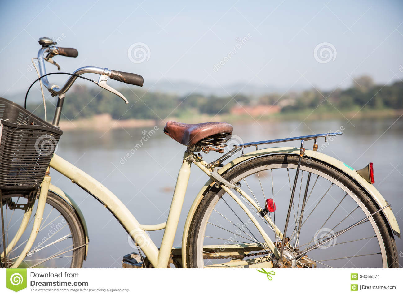 Vintage Bicycle, background is the river