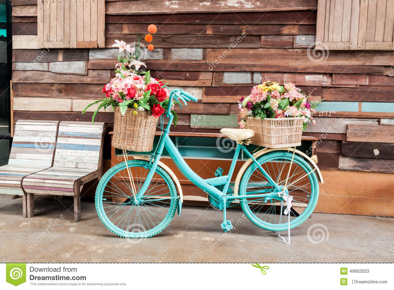 Vintage bicycle and flower stock image image of decor - Objetos de decoracion vintage ...