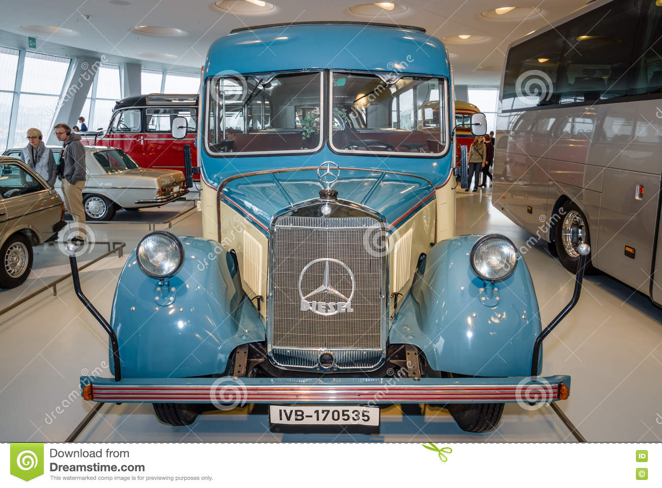 Vintage Bus Mercedes-Benz O2600 Touring Coach With Soft-top ...