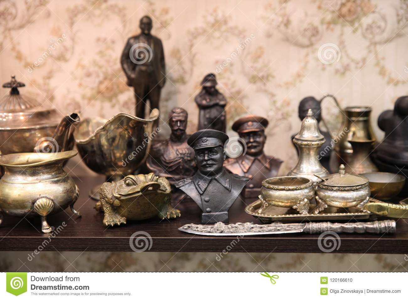 Vintage Bust Of Stalin At A Flea Market Stock Photo - Image
