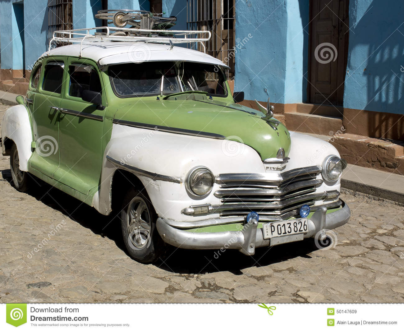American Car Cuba Green Old Paved Rack Roof ...