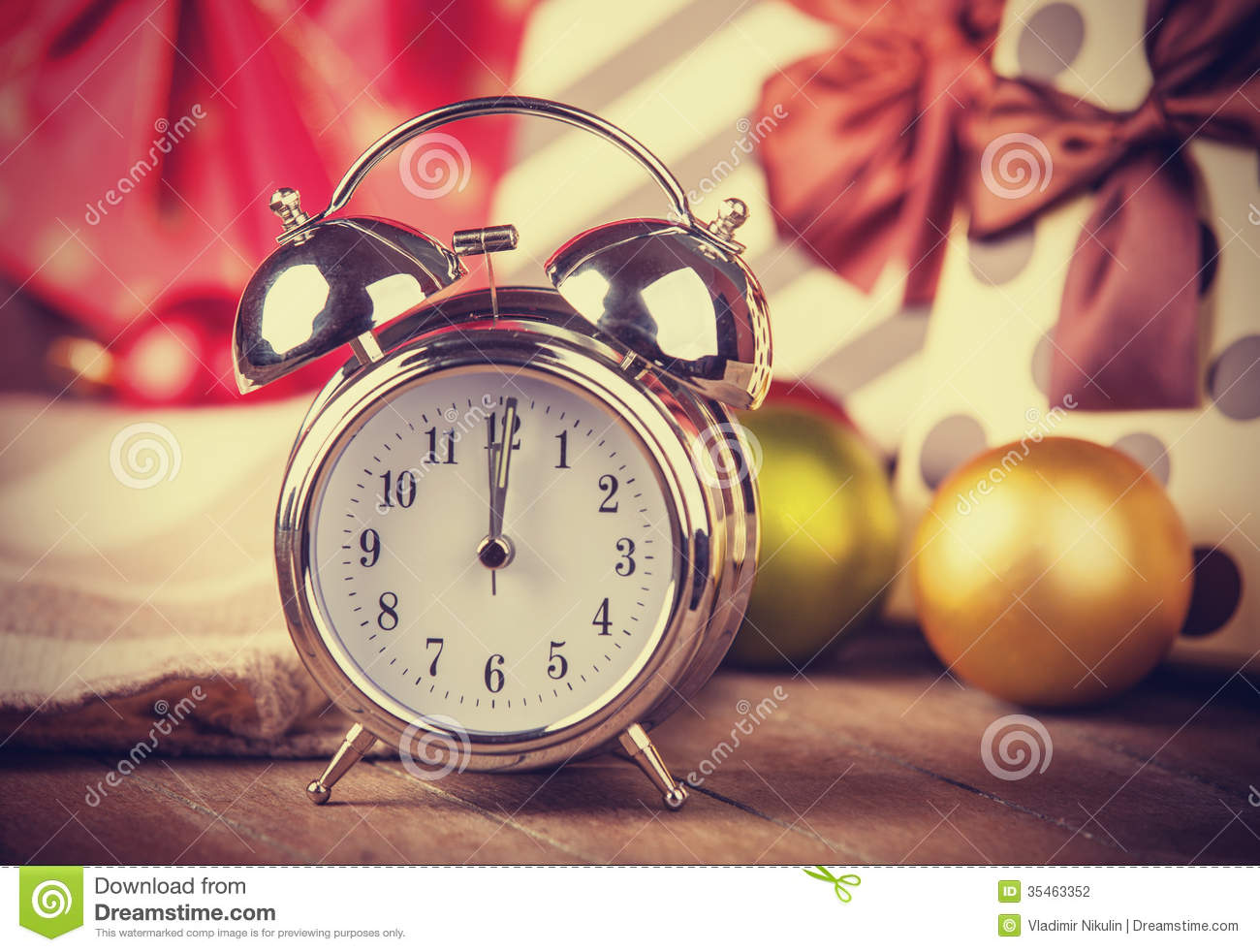 Vintage clock on christmas background stock photography for Vintage style photography tumblr