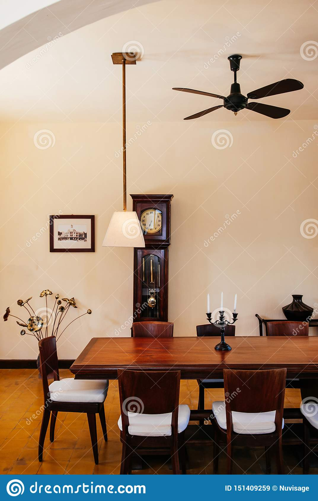 Pleasing Vintage Colonial Dinner Room With Hard Wood Table Chairs Machost Co Dining Chair Design Ideas Machostcouk