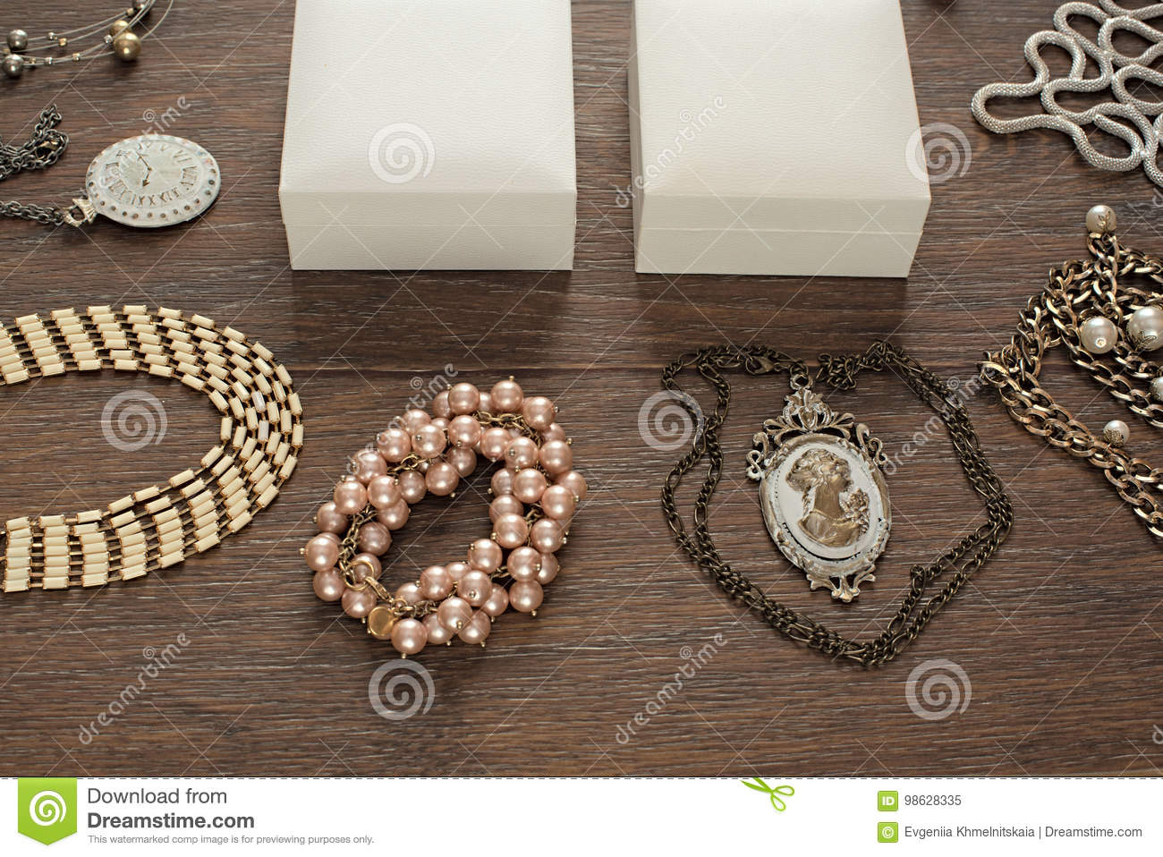 Vintage composition lay flat jewelry for women and gift packaging.