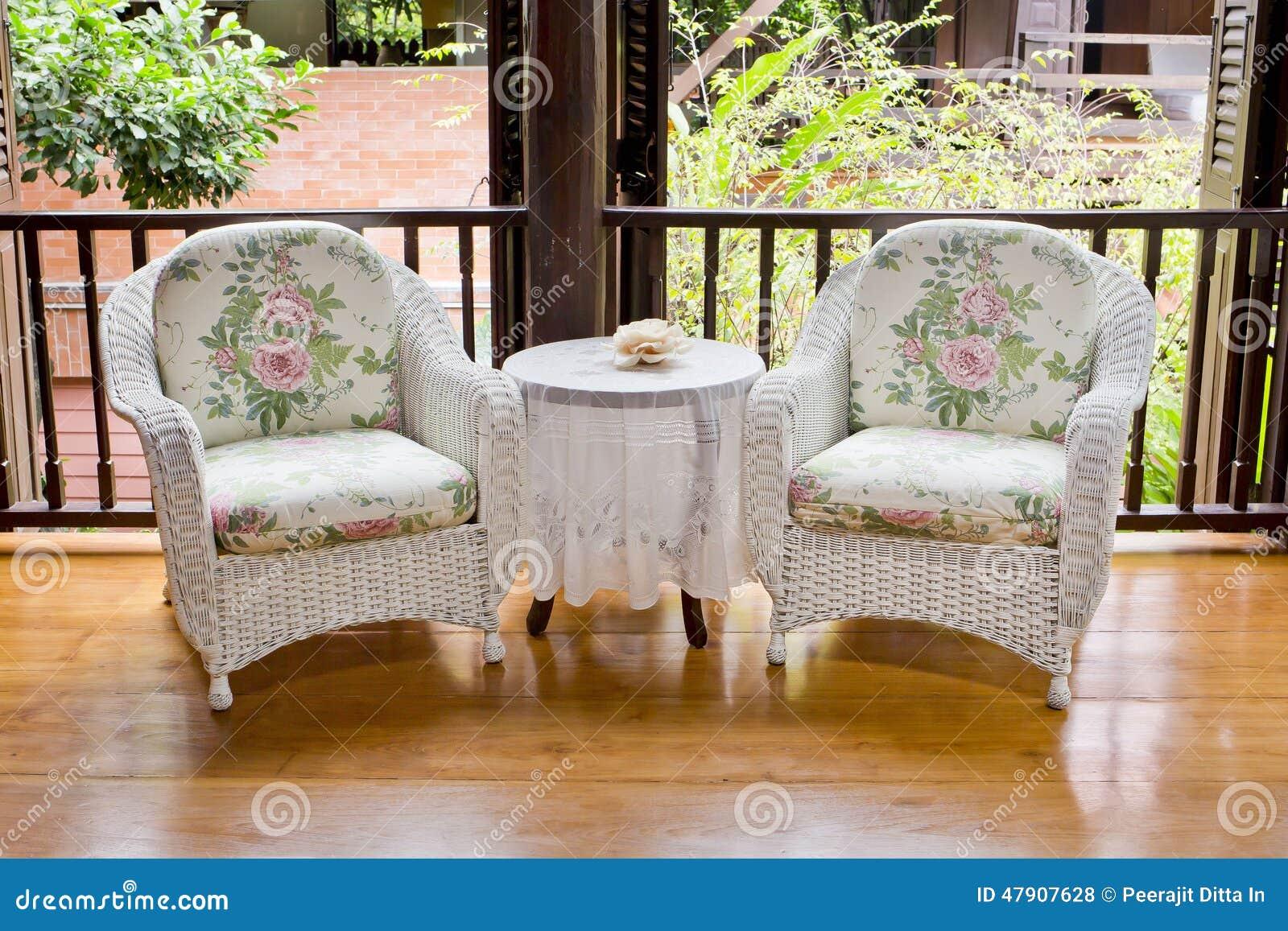 Vintage del estilo de los muebles de la butaca foto de for Muebles estilo vintage online
