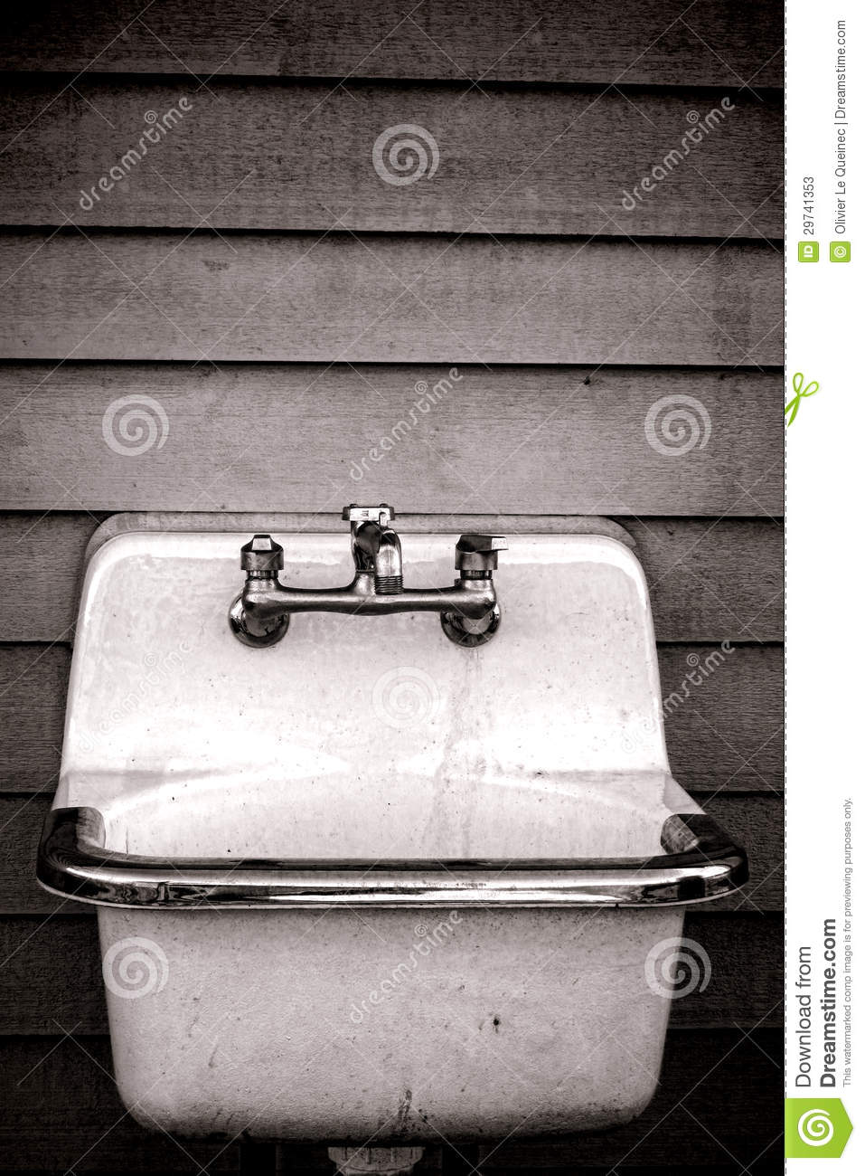 Vintage Enamel Utility Tub Sink On Old House Wall Stock Photos - Image ...